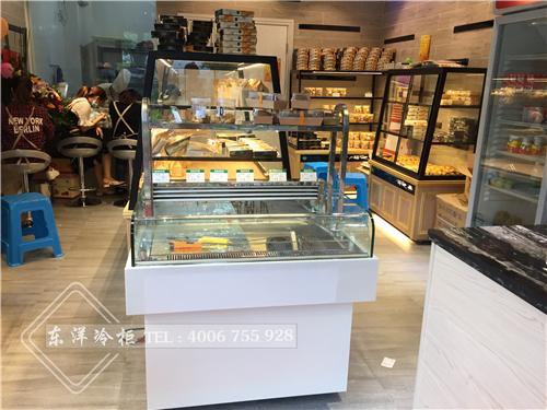 佛山玛迪奥烘培-中岛蛋糕柜-直角蛋糕柜-中岛面包柜-边岛面包柜-面包边岛柜工程案例
