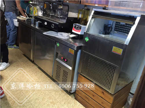 深圳咖咖旅果工作台-风冷制冰机工程案例